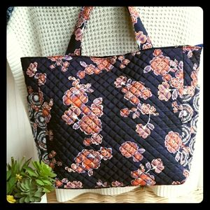 PLUM QUILTED TOTE